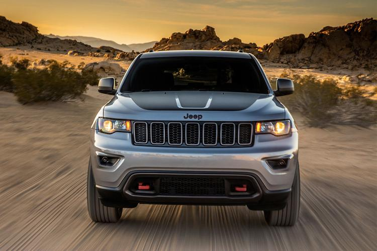 For Now, The Most Powerful Grand Cherokee Is The SRT, With A Carryover  344kW/624Nm 6.4 Litre V8, While Lesser Petrol Models Are Powered By  Chrysleru0027s ...