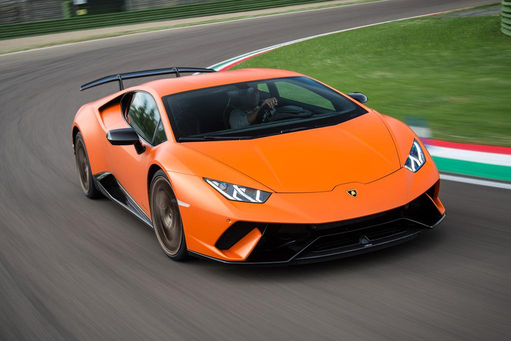 There S No Chance Onlookers Will Mistake Your Performante For A Lesser Huracan The In Yer Face Rear Wing Sees To That But Just Good Measure