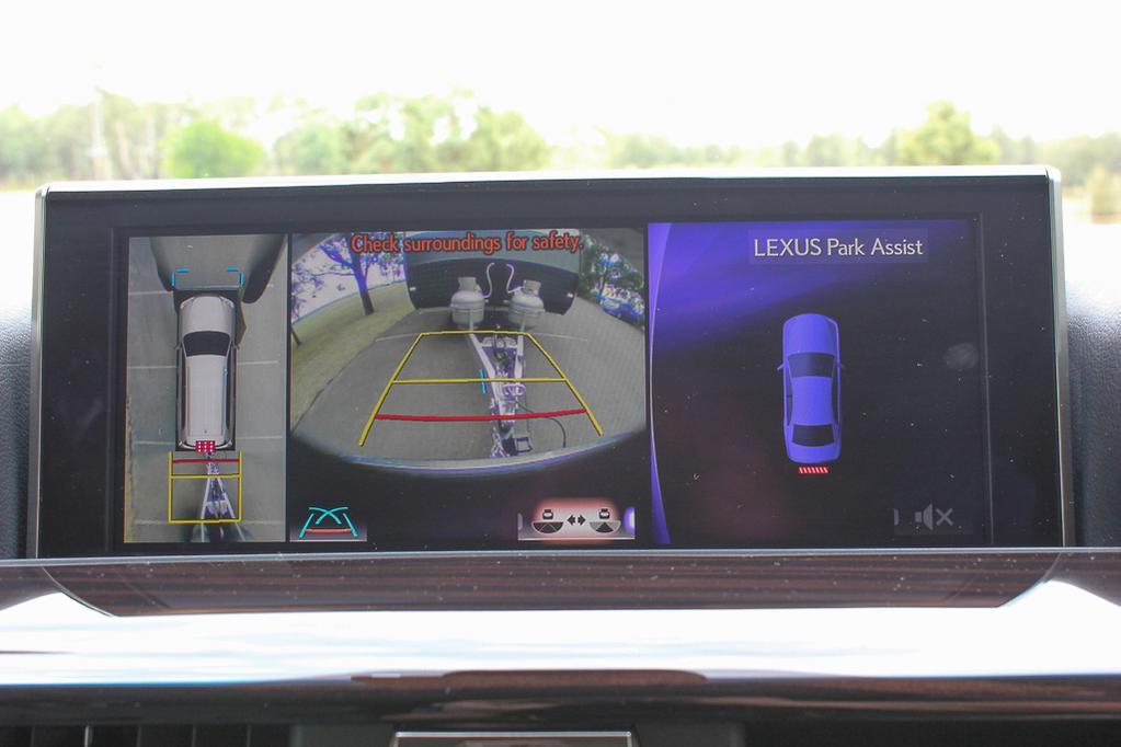 Lexus LX570 2017 Tow Test - www carsales com au
