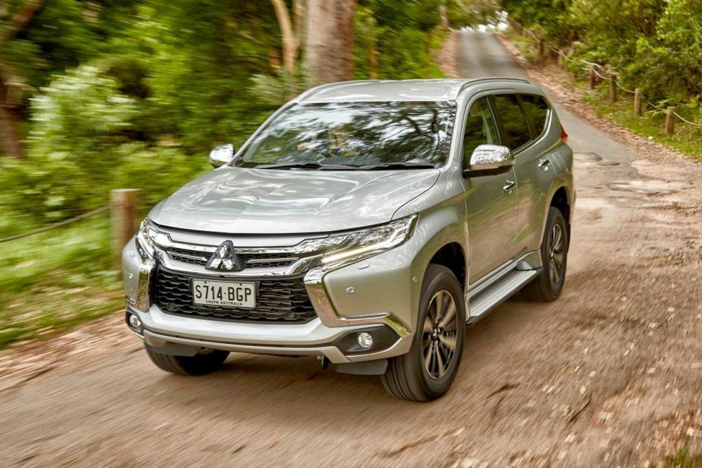 Mitsubishi Pajero Sport 2017 Review - www carsales com au