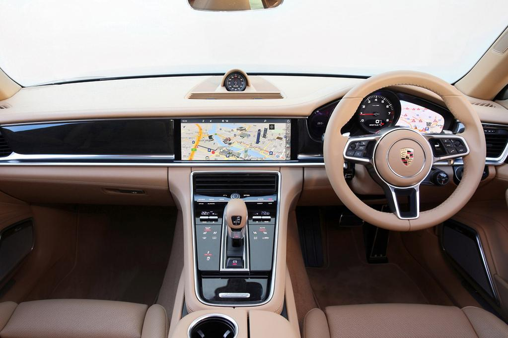 Better Yet Rear Seat Passengers Get Their Own Luxo Tech Touch Screen This Allows Back Drivers To Manipulate Navigation Audio Climate Control Quad