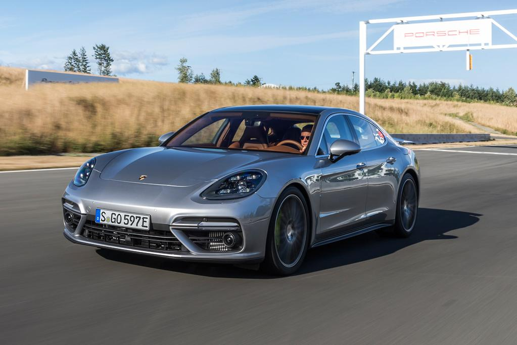 The Second New Generation Panamera Hybrid Effectively Replaces Biturbo 2 9 Litre V6 Of 4 E We Drove In South Africa February With