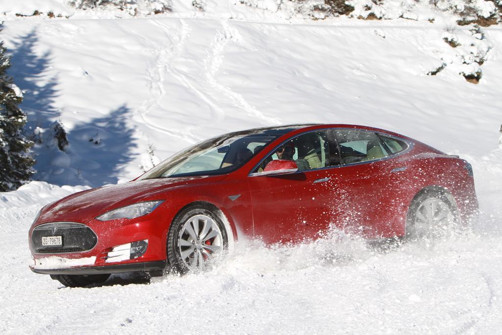 Tesla Model S P90D >> Tesla Model S P90d On Ice Www Carsales Com Au