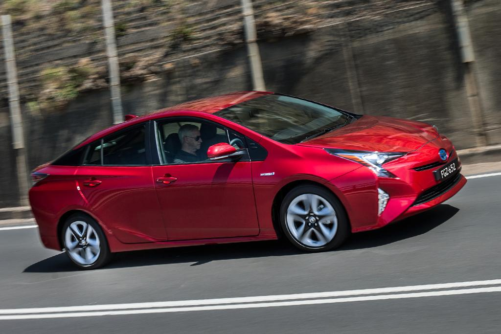 Toyota Prius 2016 Review - www carsales com au