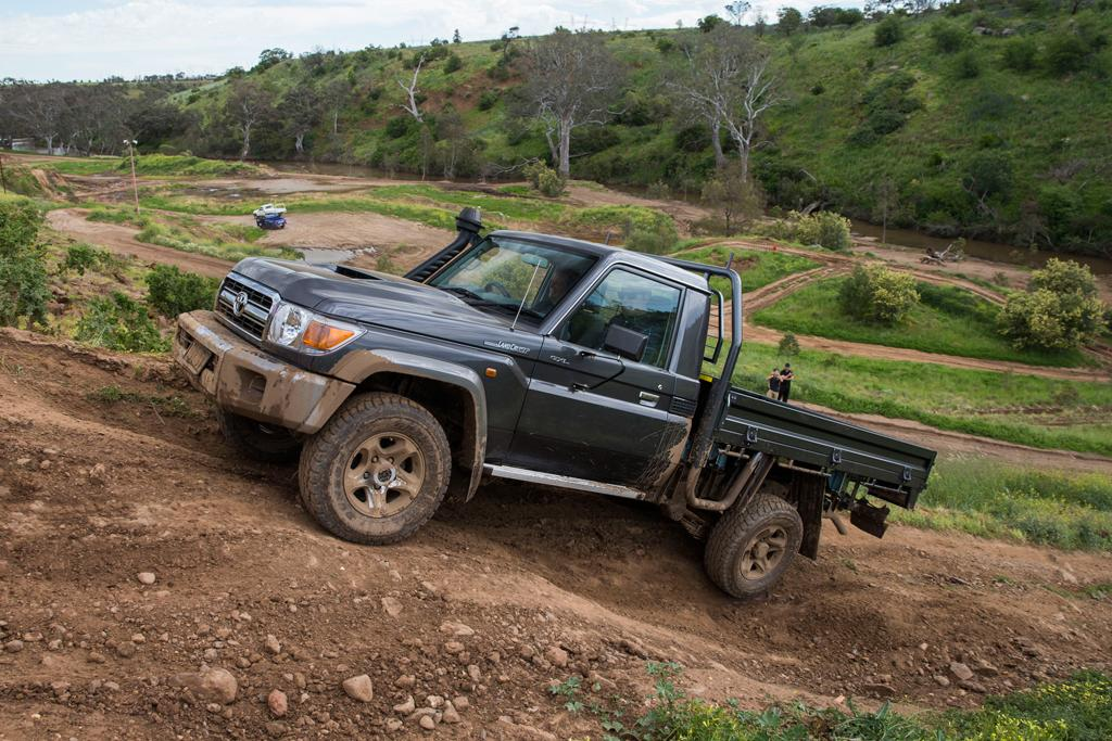 Toyota LandCruiser 70 Series 2016 Review - www carsales com au