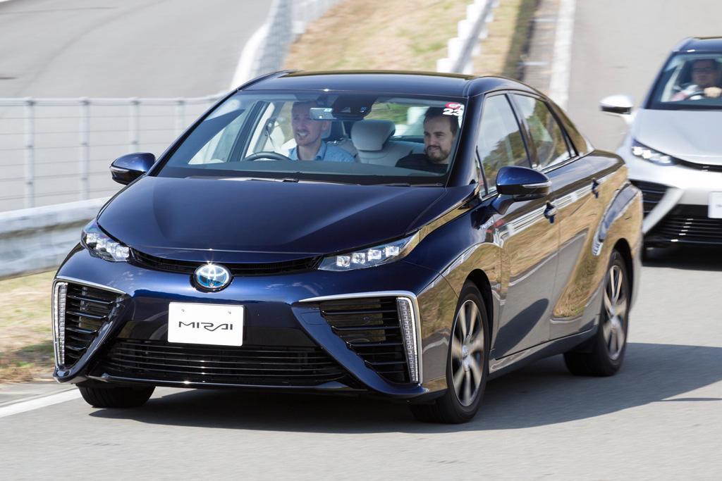 Toyota Mirai 2017 Review