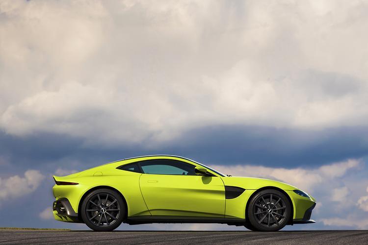 Aston Martin Unveils 2018 Vantage Www Carsales Com Au