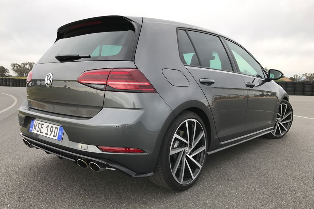 The Mainstream Golf R Starts At 52 990 Plus On Road Costs When Paired With A Six Sd Manual Dsg Automatic Adding Further 2500