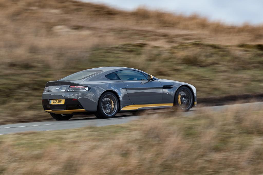 Aston Martin V Vantage S Review Wwwcarsalescomau - Aston martin vantage v12
