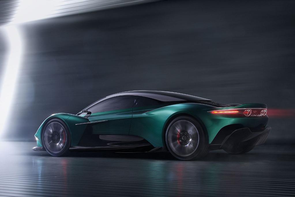 Geneva Motor Show 2022 Aston Martin Vanquish To Battle Ferrari F8