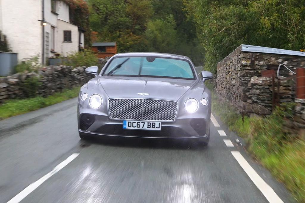 Best Of Bentley Cruising In A Continental Gt Www Carsales Com Au