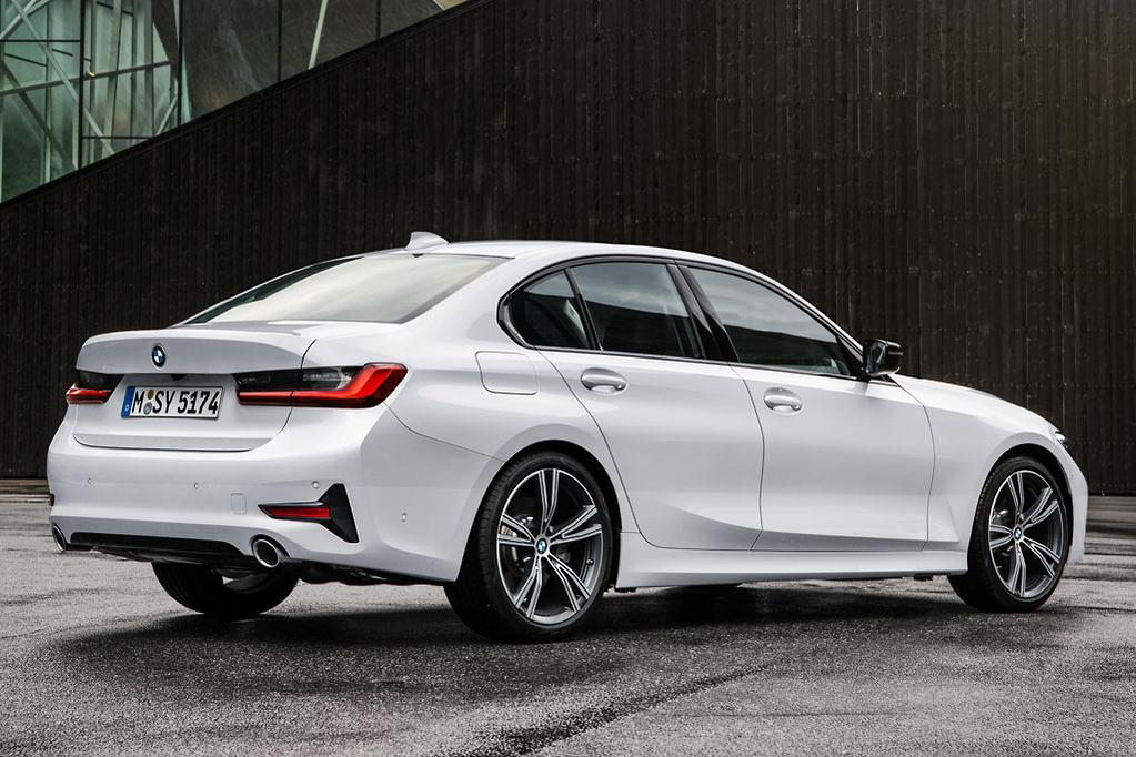 In Europe The New 3 Series Will Be Offered From Launch With Two Four Cylinder Turbo Petrol Engines And Three Sels A Six But