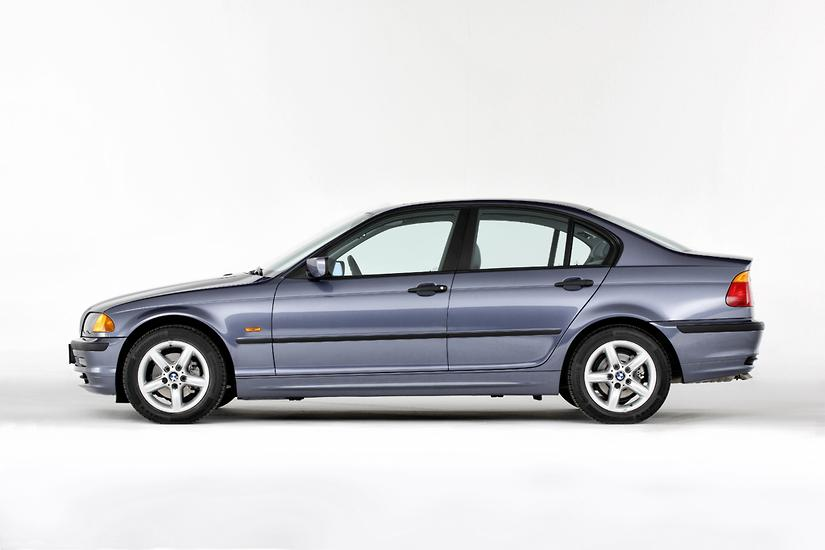 Recall Wrap Bmw To Replace 30 000 Takata Airbags In E46 3 Series