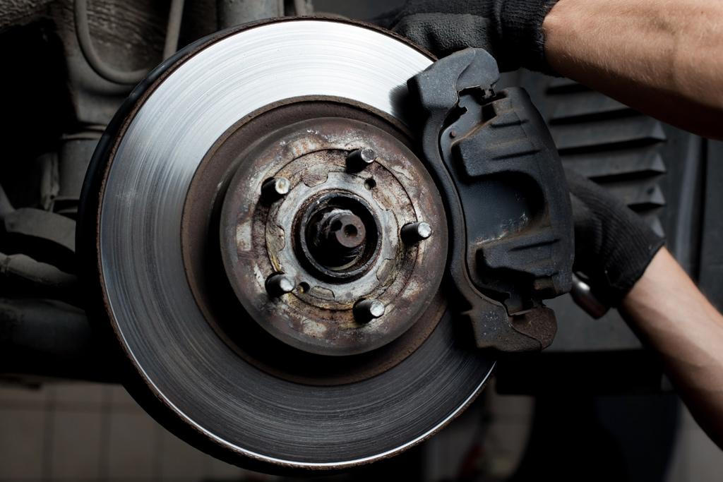 Grinding Noise When Braking >> Advice What Causes Grinding Brake Noise Www Carsales Com Au