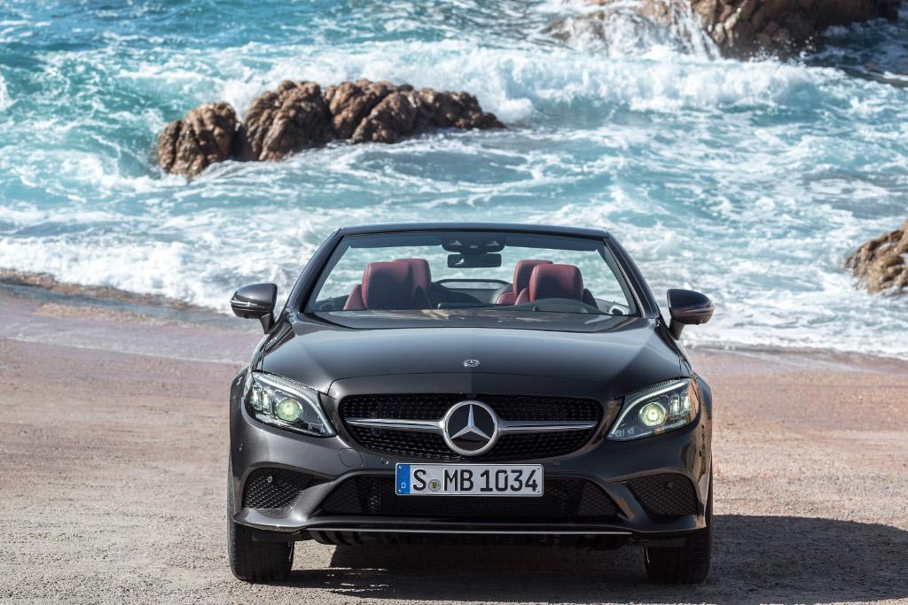 New York Motor Show Mercedes Amg C 43 Coupe And Cabriolet Power Up