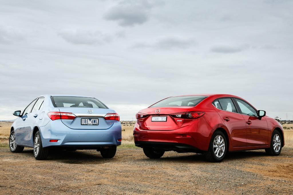 Mazda3 versus Toyota Corolla: 2014 Comparison - www carsales com au