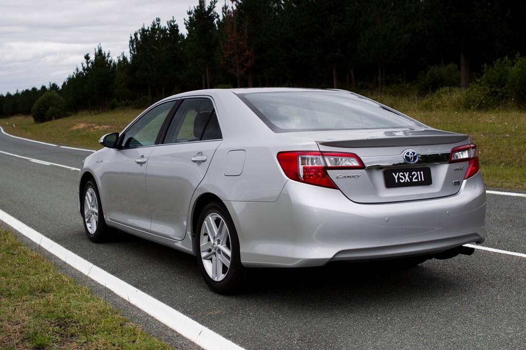 Toyota Camry Hybrid HL: Local Launch - www carsales com au