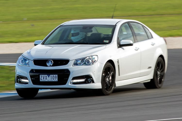 Holden VF Commodore SS V Redline 2013: Track Review - www