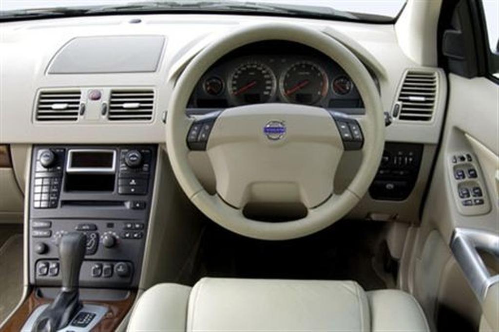 Volvo XC90 (2003-) 7 Day Test - www carsales com au