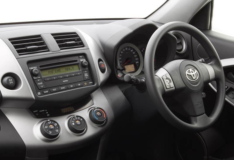 Toyota responds to iPod car entertainment glitch - www carsales com au