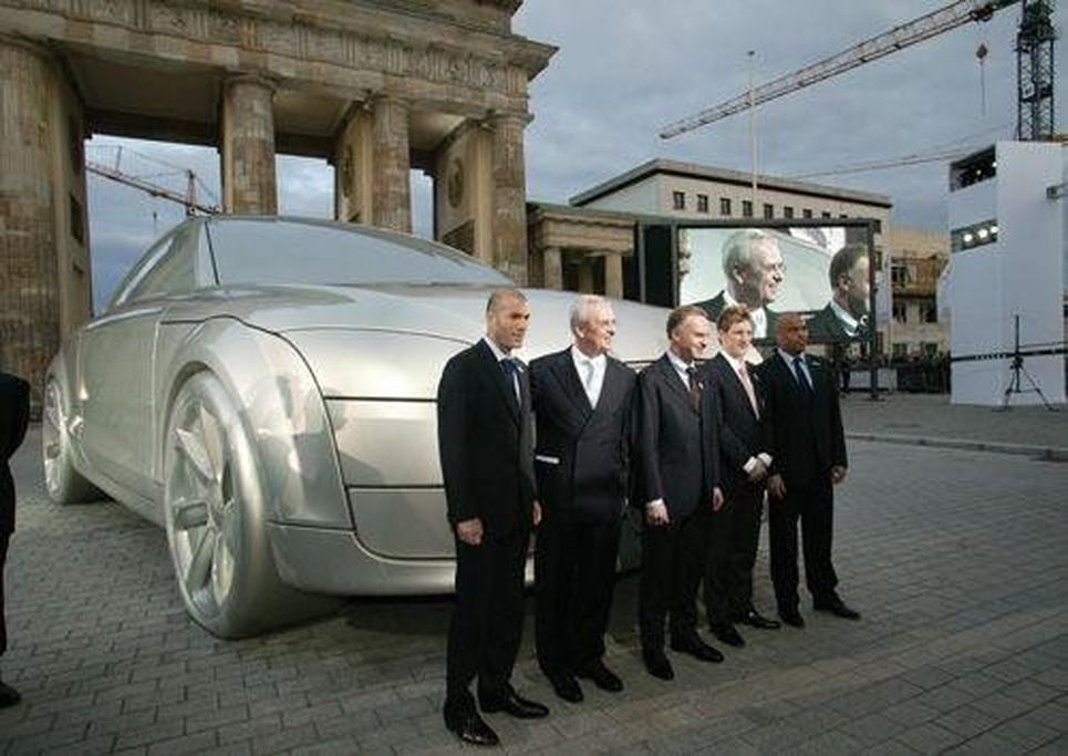 687d21e398 Audi launches TT in shadow of Brandenburg Gate - www.carsales.com.au