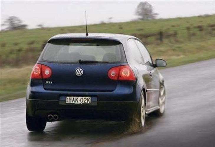 Honda Civic Type R v Mini Cooper S v VW Golf GTi - www