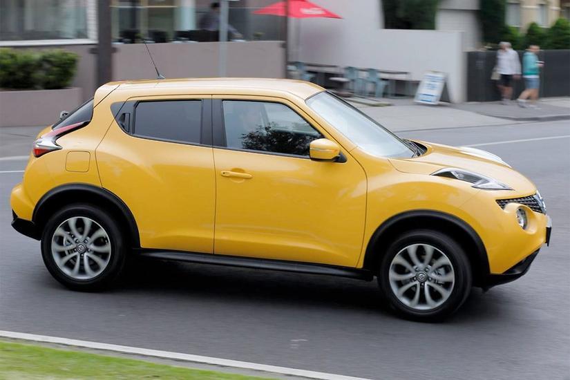 Nissan Juke Tire Size >> Pint Size Juke Treads On Unloved Altima Www Carsales Com Au