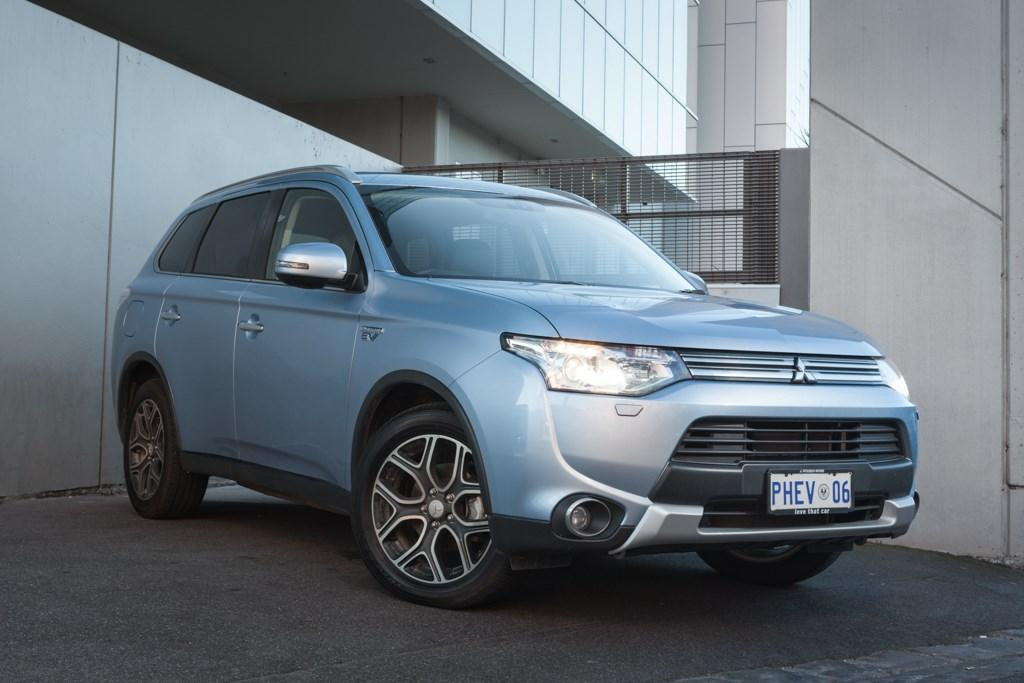 Mitsubishi Outlander PHEV 2014: Long-Term Test Update - www
