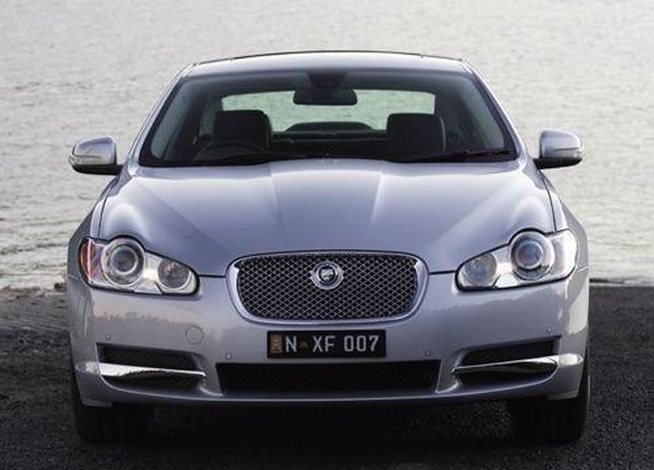 Jaguar XF 2 7D, 3 0 V6 and 4 2 V8 - www carsales com au