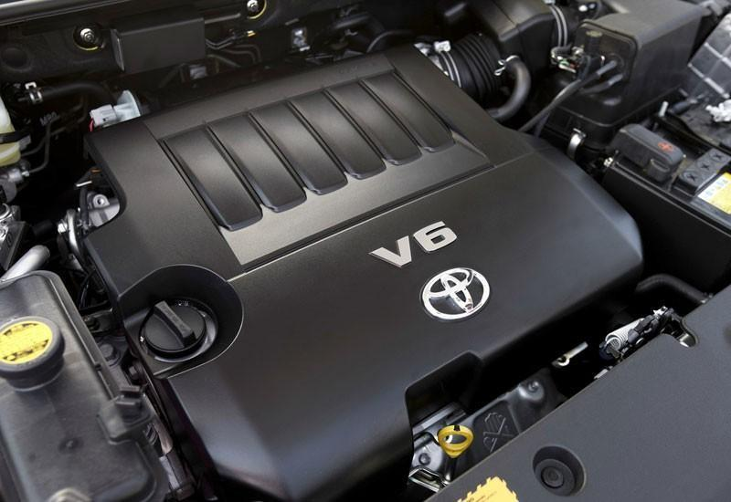 2007 toyota rav4 engine compartment