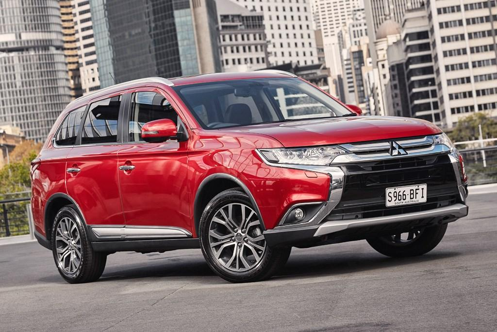 Mitsubishi Outlander 2015 Review - www carsales com au