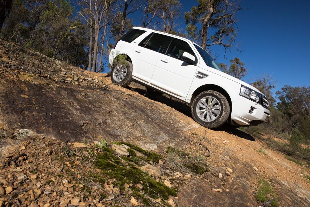 Jeep Cherokee v Land Rover Freelander 2 2014 Comparison