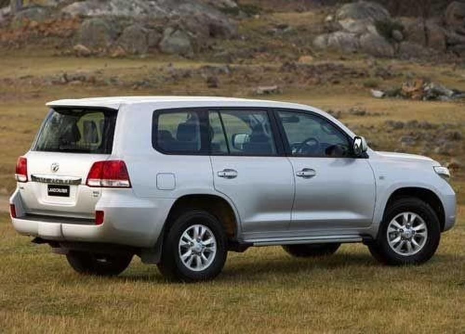 Toyota 200 LandCruiser GXL Petrol and Diesel - www carsales com au