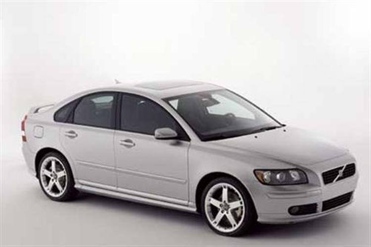 Volvo s40 2004 review