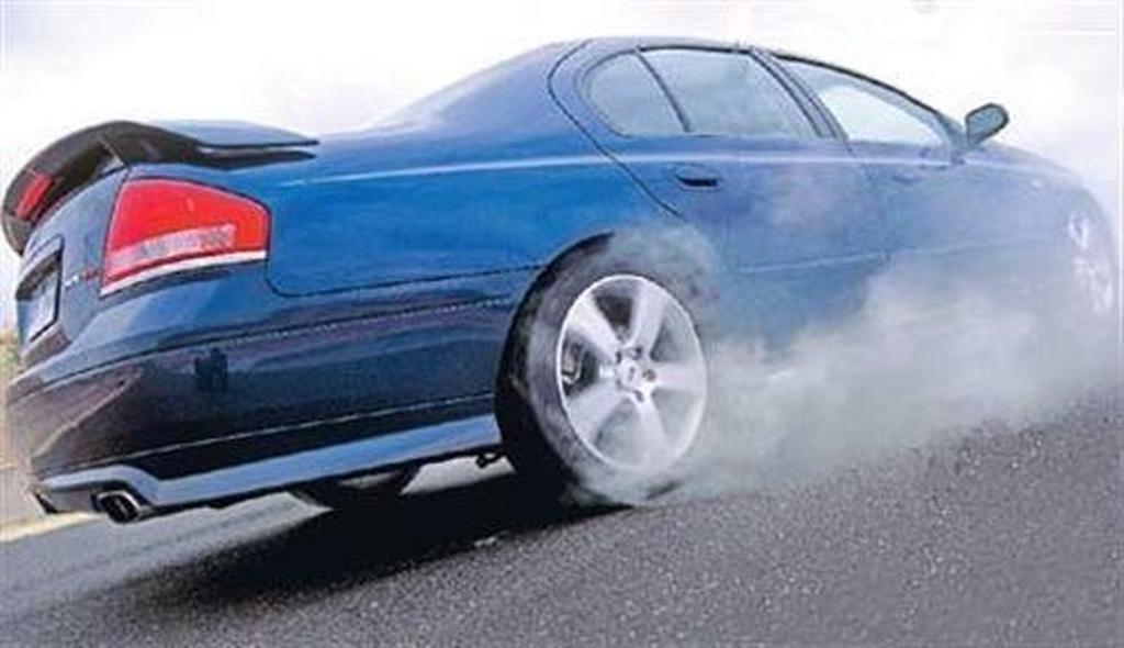 Past Blast: Ford Falcon XR8 - www carsales com au