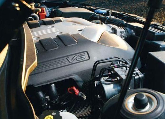 Ford Falcon v Holden Commodore v Toyota Aurion - www carsales com au