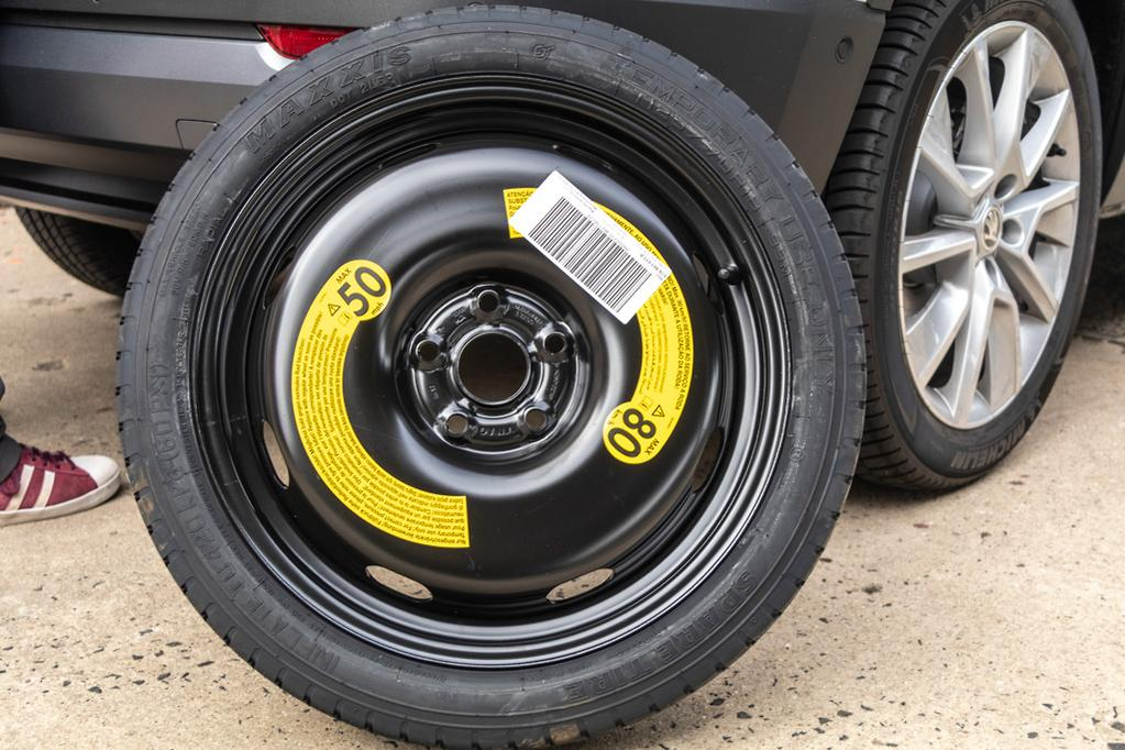 How To Change A Tyre Www Carsales Com Au