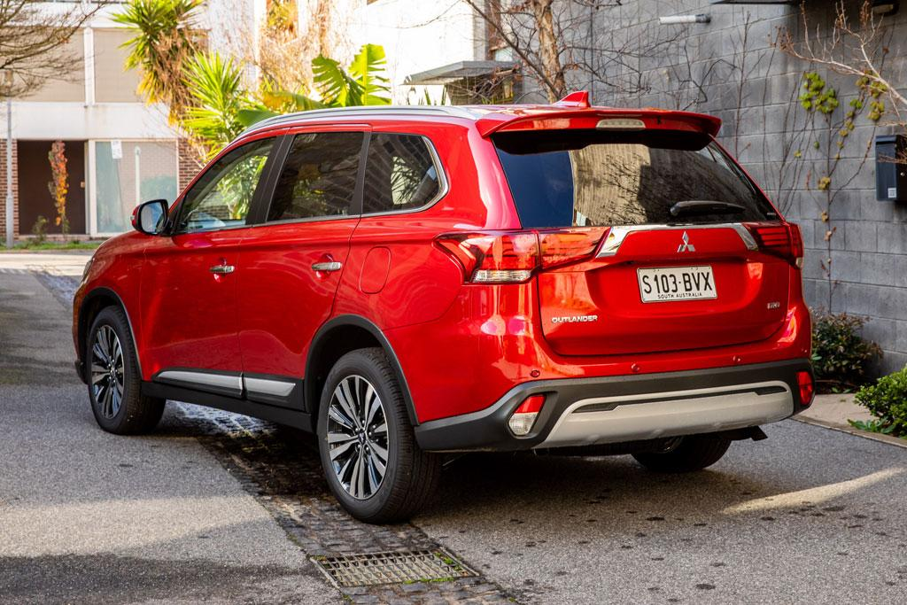 Updated 2019 Mitsubishi Outlander now on sale - www carsales