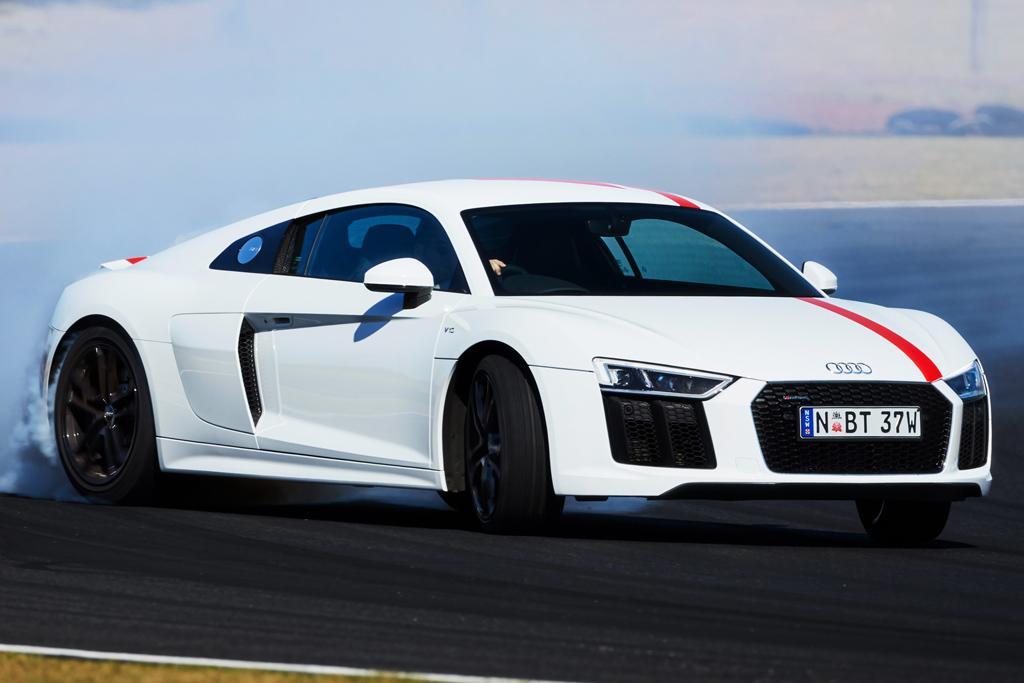 Audi R8 RWS 2018 Review - www carsales com au