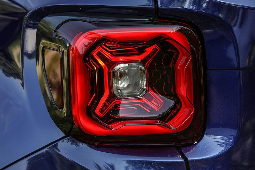 Jeep Teases 2019 Renegade Ahead Of Reveal Www Carsales Com Au