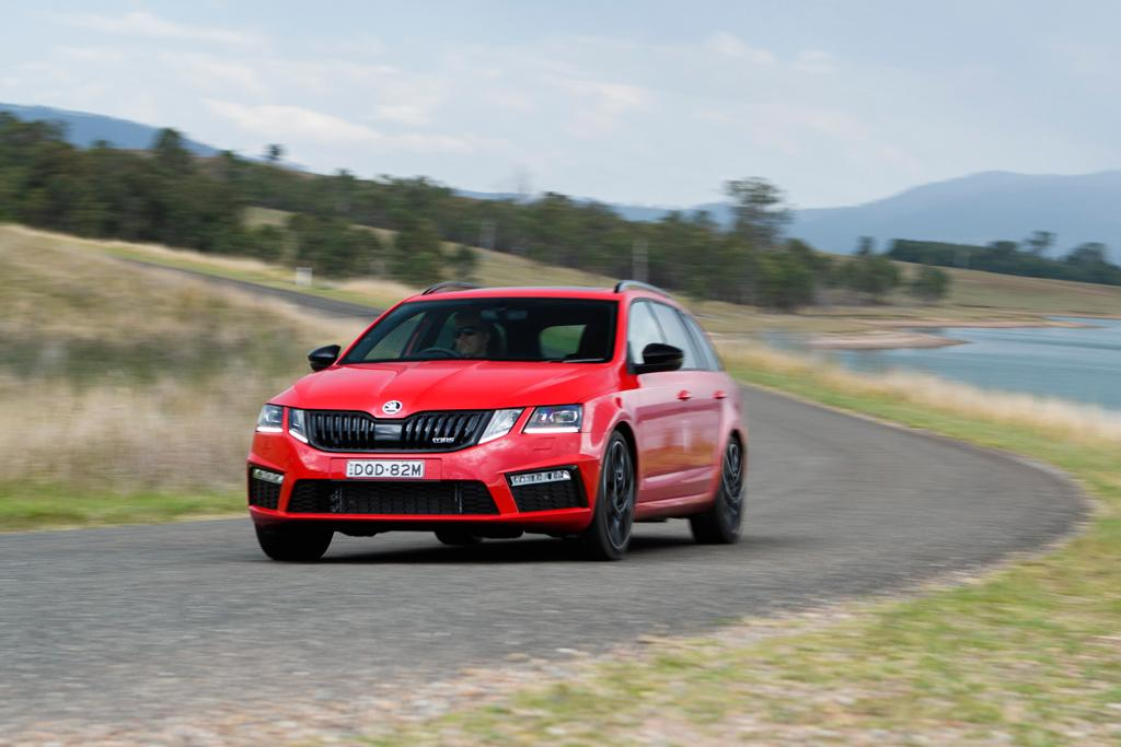 skoda octavia rs 245 2018 review - www.carsales.au