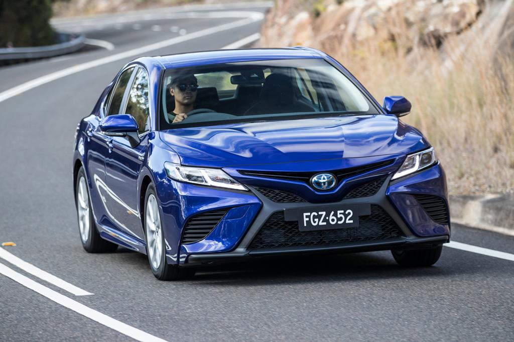 Toyota Camry Hybrid 2019 Review - www carsales com au