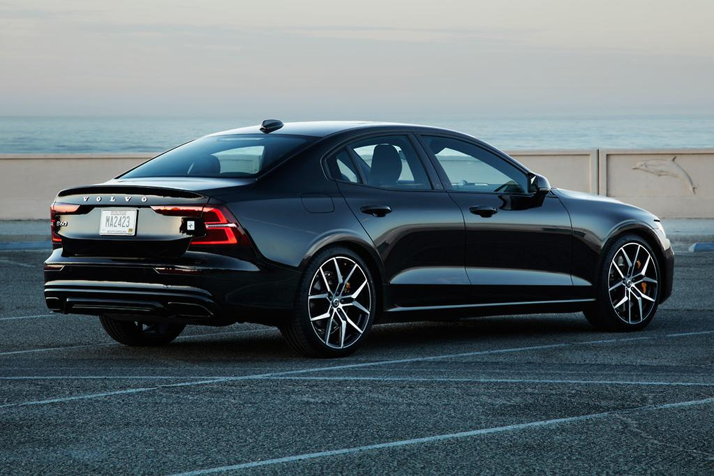 Volvo S60 2019 Review International Www Carsales Com Au
