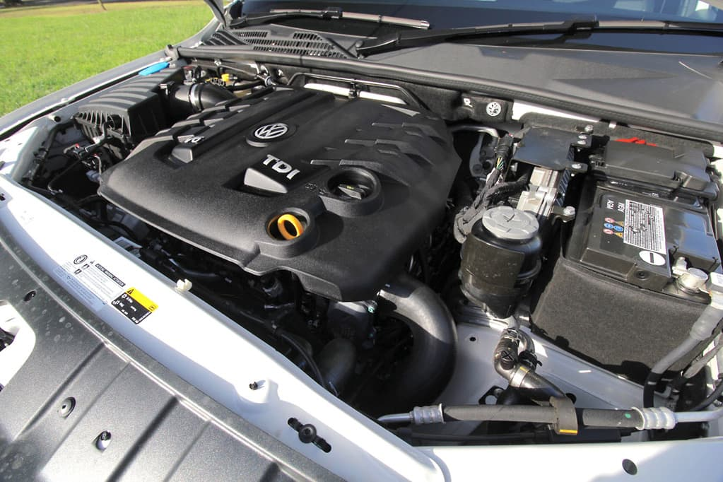 Volkswagen Amarok Ultimate 580 2019 Tow Test - www carsales com au