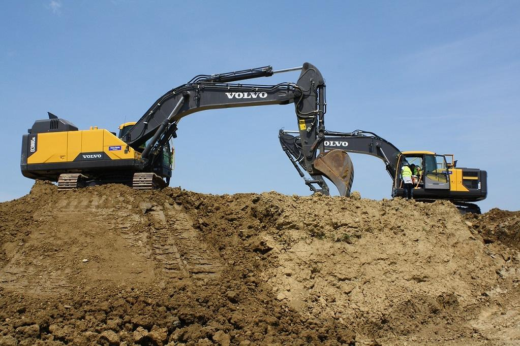 Do I Need A License To Operate Excavators And Earthmovers Www Constructionsales Com Au