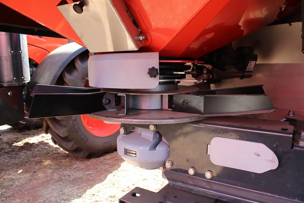 VIDEO: Kubota launches DS smart spreaders - www