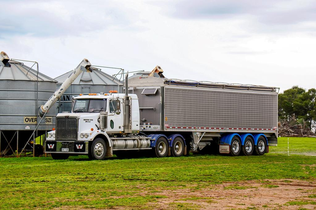 Wilson Trailer and Western Star 4800: Operator Review - www
