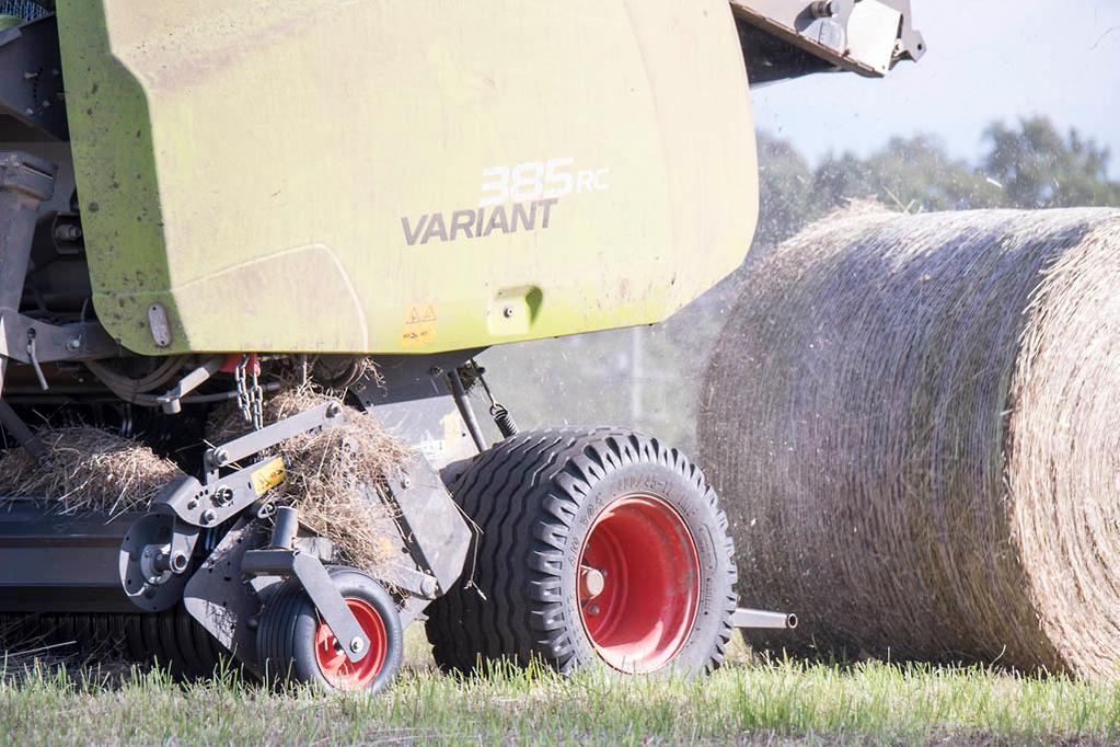 CLAAS VARIANT 385 RC round baler review - www
