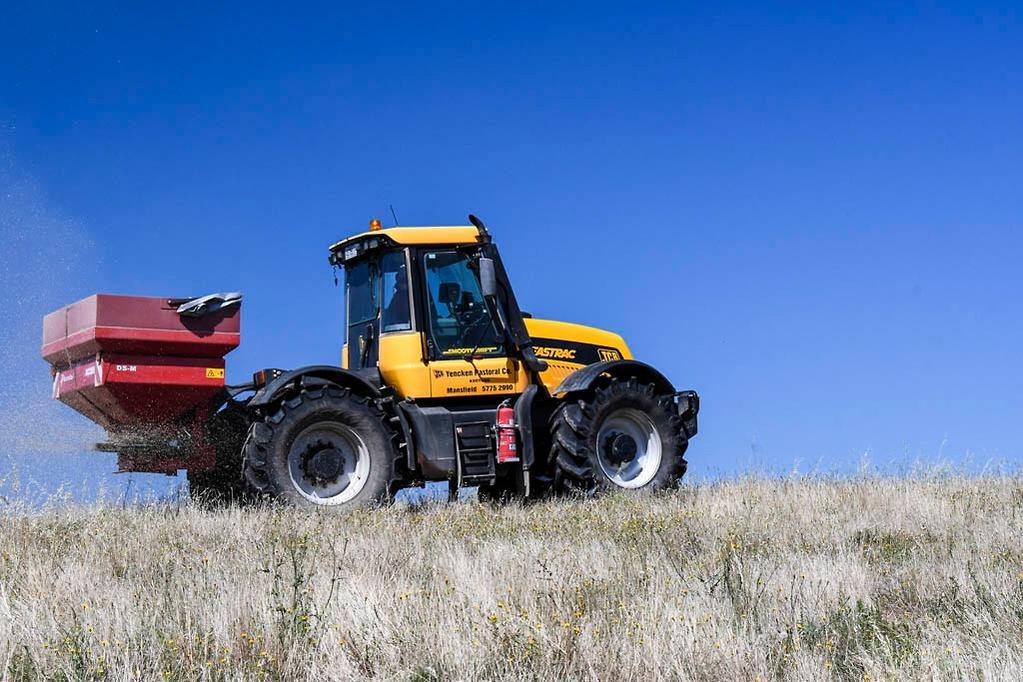 JCB Fastrac 3185 – used tractor review - www farmmachinerysales com au