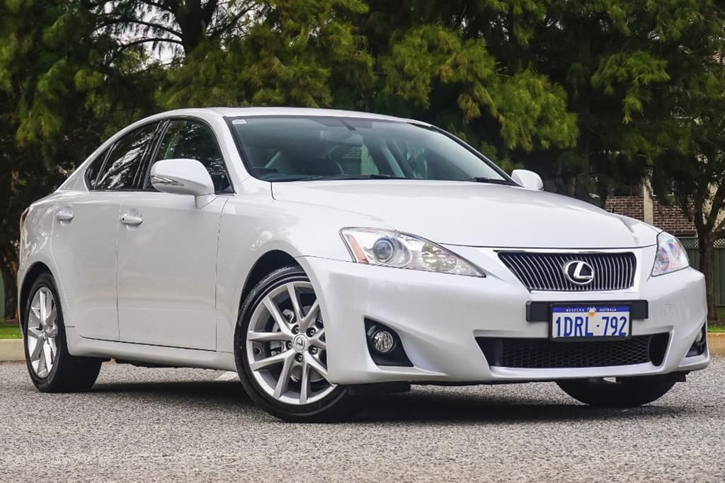 2005 lexus is250 vsc light